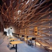 伝統と現代の融合。圧巻の木組みが話題のスターバックス『太宰府天満宮表参道店』