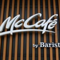 沖縄唯一のマックカフェ。バリスタのプレートイラストが可愛くてまた行きたくなるお店