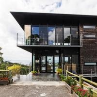 こんなところに!沖縄建築賞受賞の穴場カフェ『名護城公園ビジターセンター』