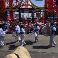 トップレス女性も!露出が大胆な人魚コスプレの祭典!NY名物『マーメイドパレード』