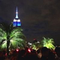 夜景に摩天楼が望めるNY絶景ルーフトップバー『230 Fifth』